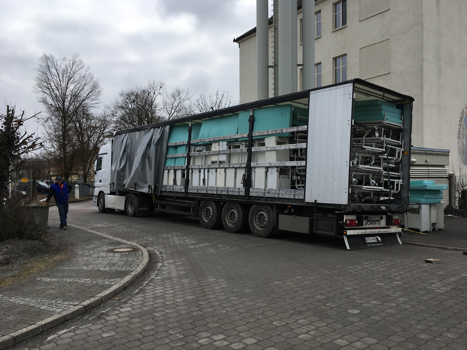EFI -Tranport von Betten für die Judetean Unfallklinik in Cluj/Rumänien